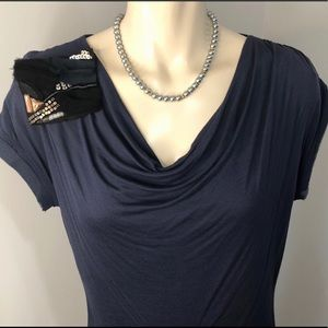 🌟Vera Wang- dressy cowl neck blouse +fabric pin S